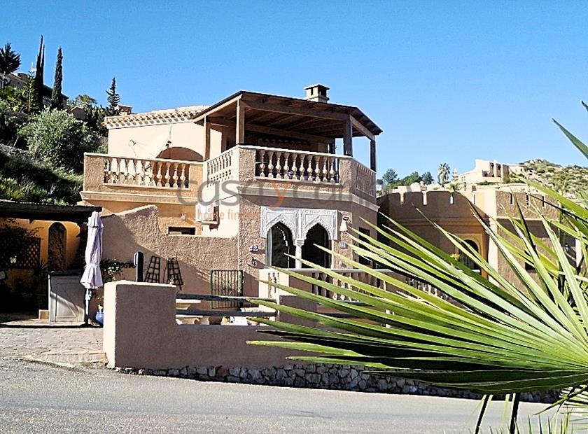 Zu Verkauf: Exquisite Villa nähe Meer, ruhige Lage, 149.000 EUR